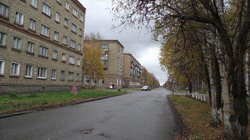Фото города Инта №1676  Мира 11, бабаушкниа 3 и Мира 13 18.09.2012_12:43