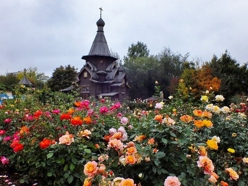Храм и розы