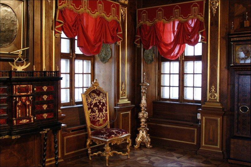 Дворец Меншикова, Ореховый кабинет