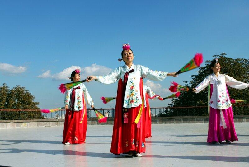 Японский фольклорный коллектив на Певческом поле