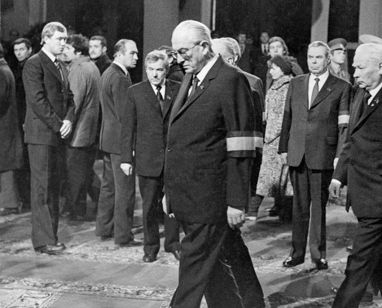 Андропов, похороны Брежнева, Генсеки