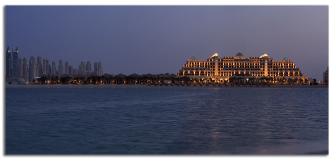 ОАЭ. Дубаи. Jumierah Zabeel Saray - Hotel Exterior - Beach View with Royal Residences Dusk