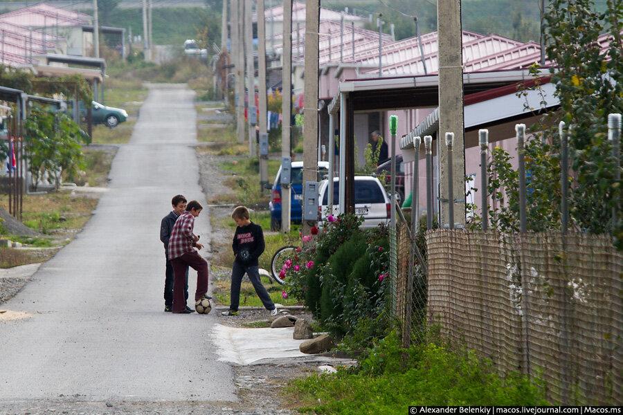 Беженцы недавней войны