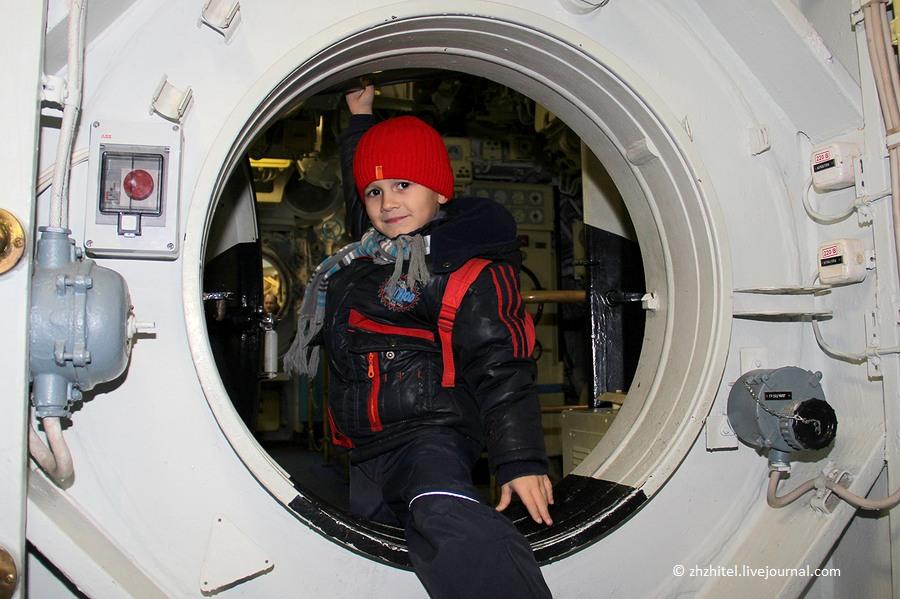 экипаж подводной лодки курск количество человек