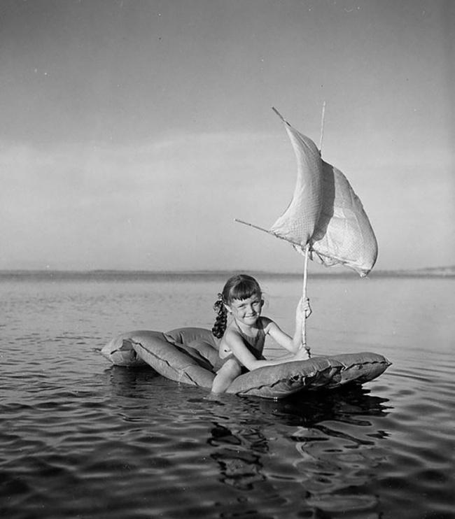 Белеет парус одинокий, Тулон, Франция, 1949г.