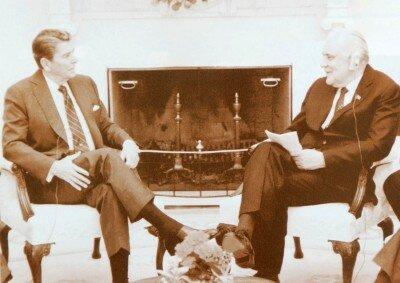 Пока Щербицкий общался с Рейганом, в СССР избрали нового генсека