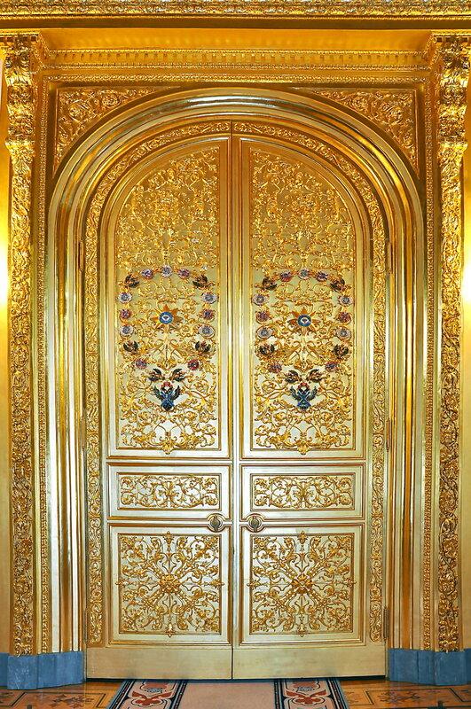 Дверной портал Андреевского зала