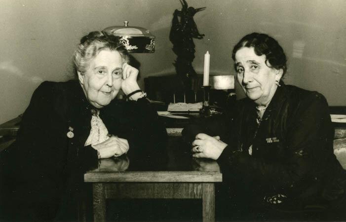 Александра Яблочкина и Евдокия Турчанинова на открытии ЦДРИ в 1947 году.
