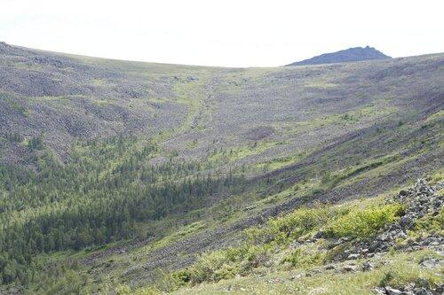 Вид подъема на Иовское плато по руслу реки Северный Иов