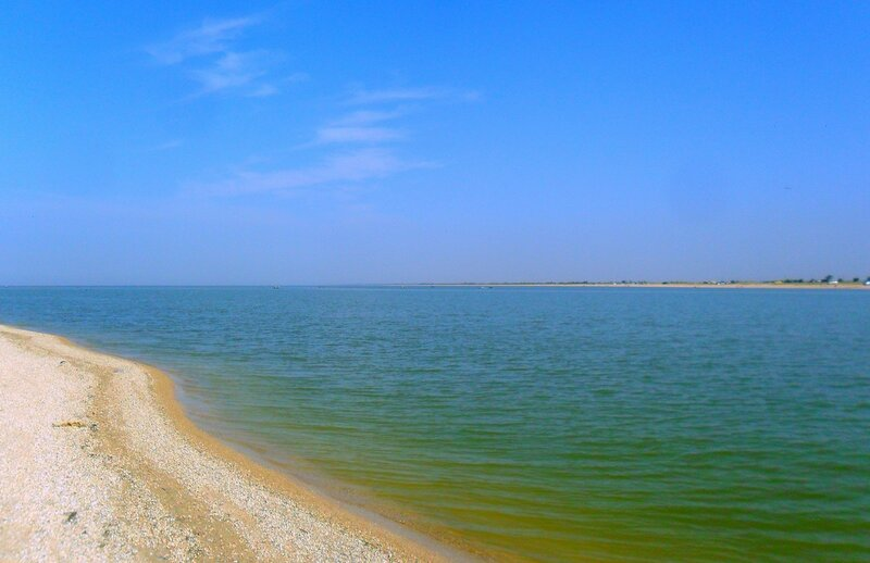 Берега Пролива, средь них поток морской ... SAM_3304.JPG