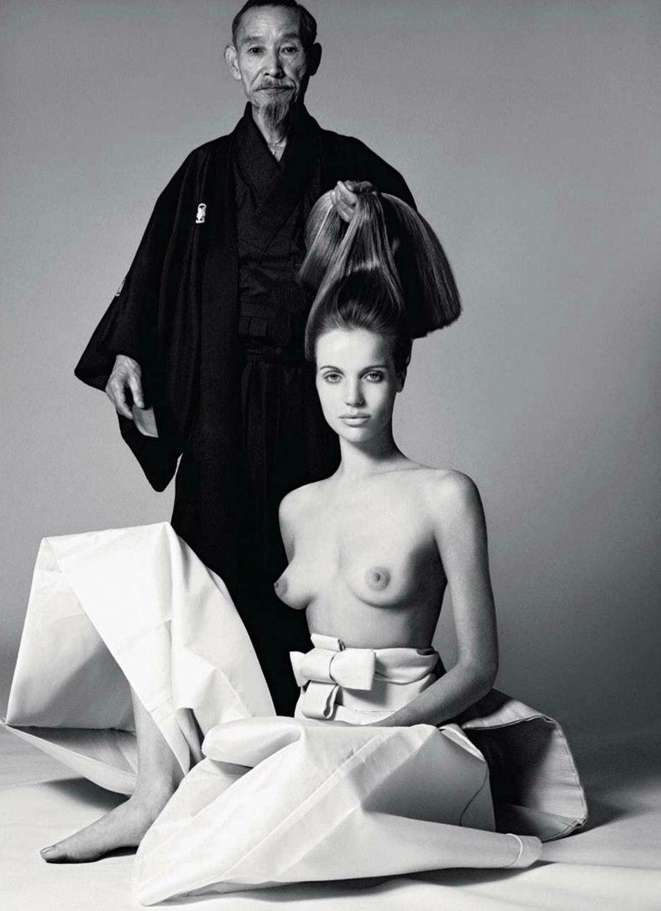 модель Veruschka von Lehndorff / Верушка, фотограф Richard Avedon / Эротика в Vogue, Россия спецвыпуск ноябрь 2012