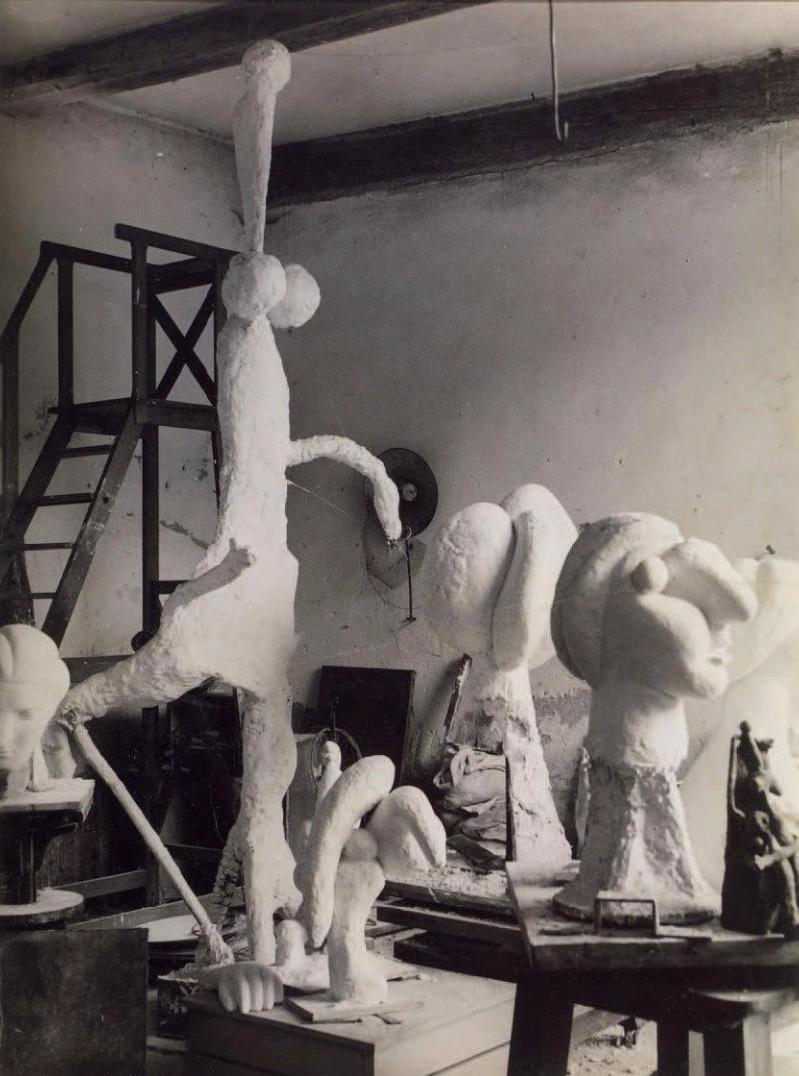 1932. Скульптурная мастерская Пикассо в Буажелу,