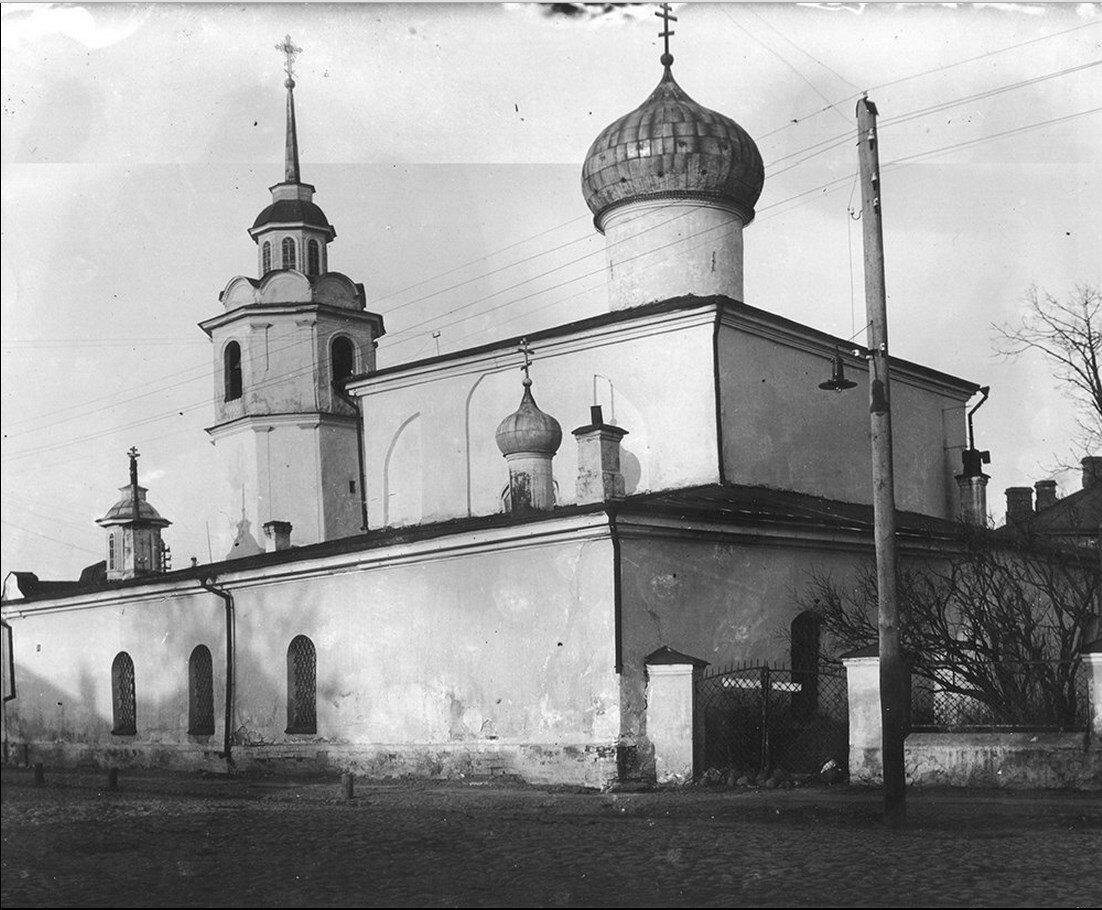 Храм Покрова на Торгу