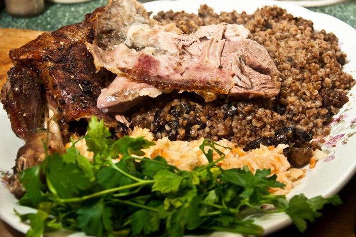 Как приготовить свиную поджарку с подливкой