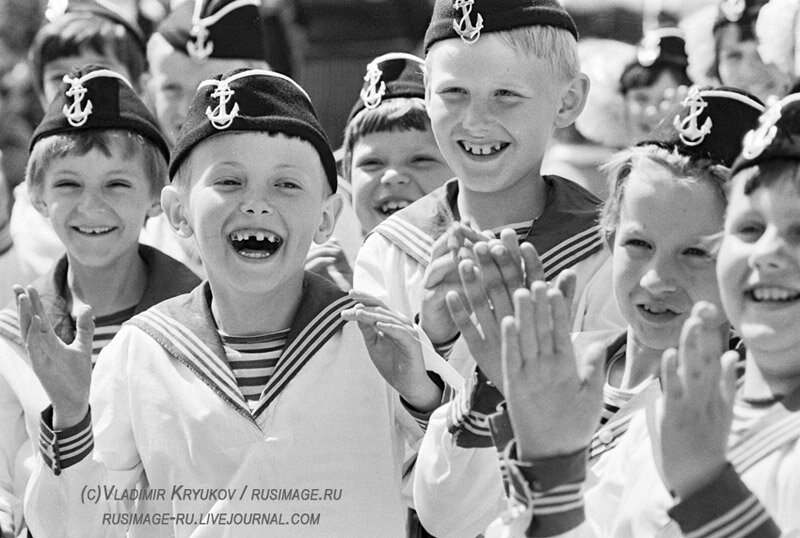 фотографии юны детки в униформе