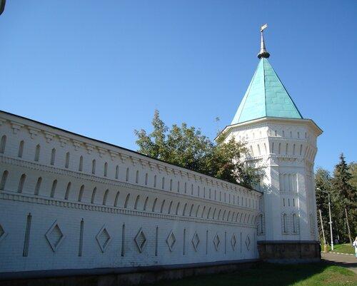 Палестинская стена Николо-Угрешского монастыря
