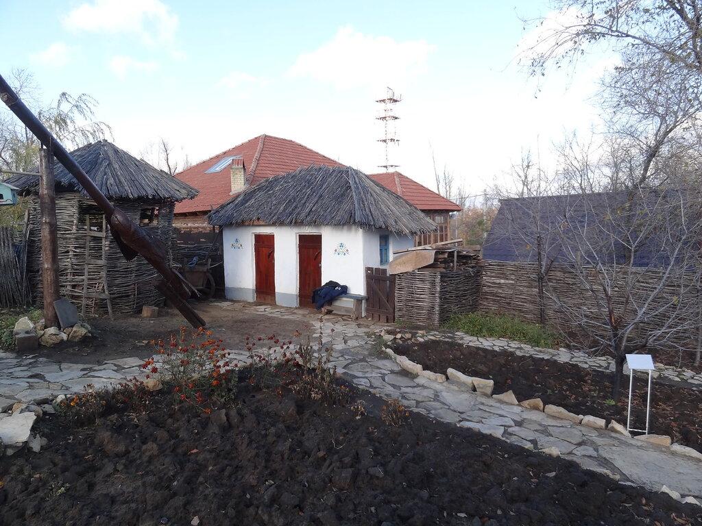 """Украинский хутор """"Свитанок"""""""
