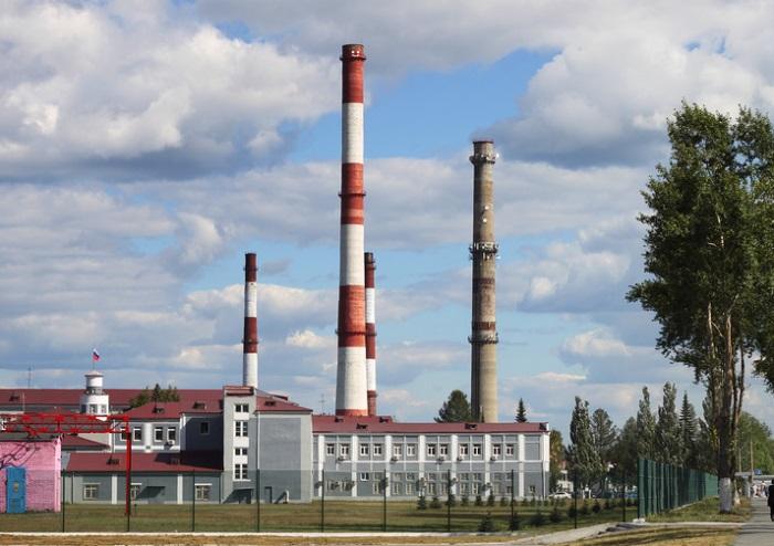Трубы и здания Новотрубного завода, город Первоуральск