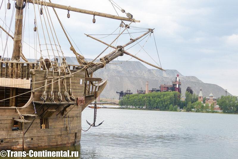Пиратский корабль у острова Орлиное Дупло