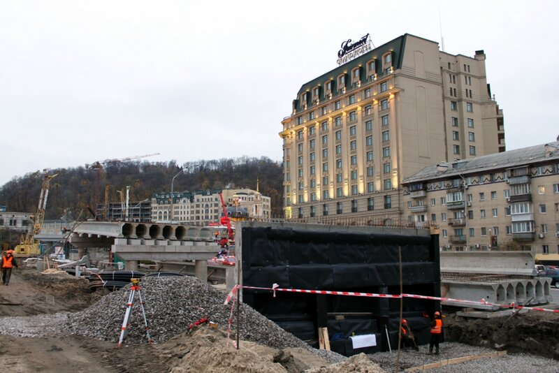 Строительство новой эстакады на Почтовой площади