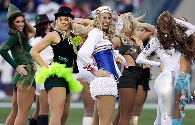 New England Patriots - cheerleaders nfl october 2012 / девушки из групп поддержки в американском футболе