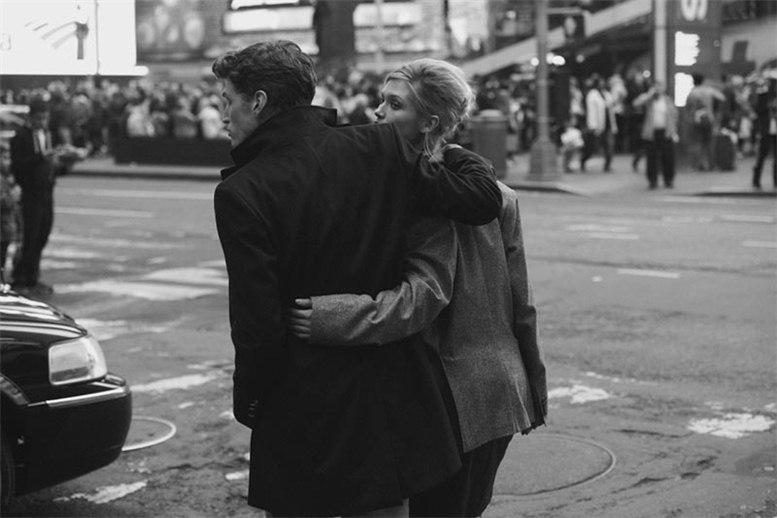 -Мечты и реальность- на Таймс-Сквер / фотограф Peter Lindbergh / J. Lindeberg, осень 2012