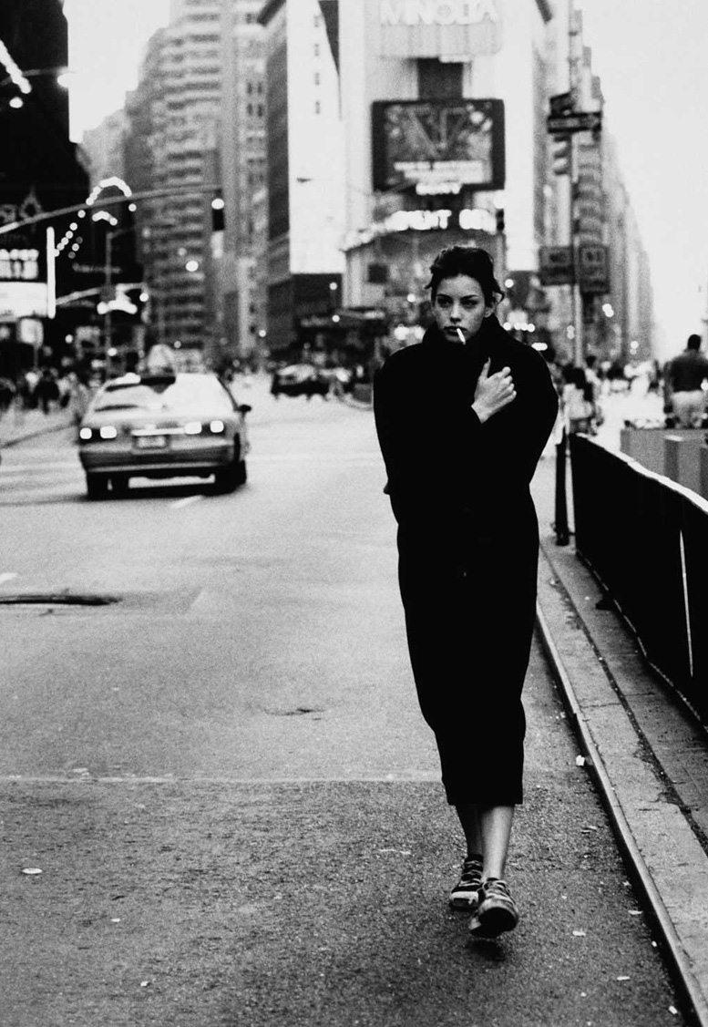 smoking Liv Tyler / Лив Тайлер с сигаретой