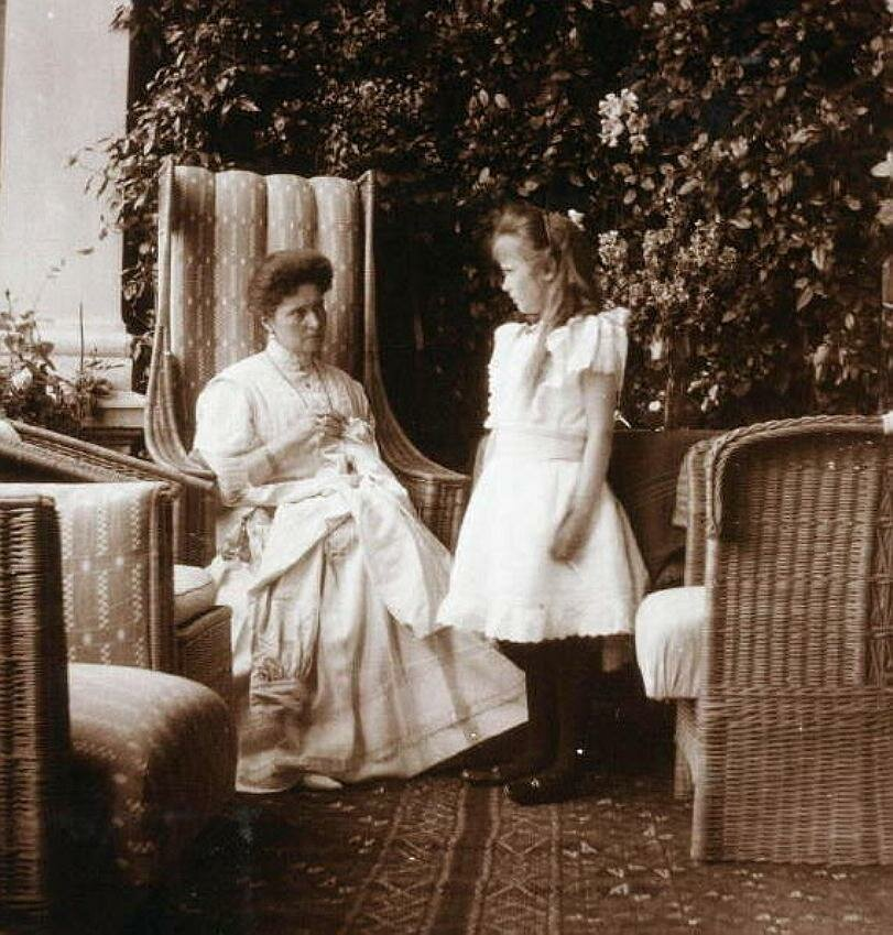 The photograph of Tsarina Alexandra of Russia and her daughter Grand Duchess Anastasia Nikolaevna of Russia in about 1908