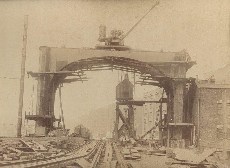 Как строился Тауэрский мост? 0_c42bb_e31d7920_XL