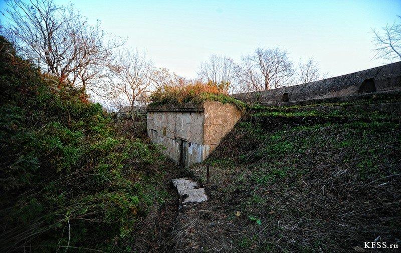 Форт №12 Владивостокской крепости kfss вход в подбрустверную галерею