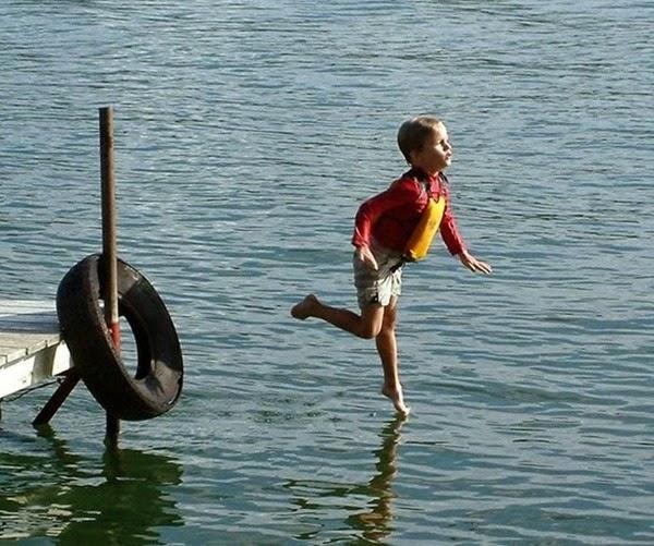 Радостные фотографии прыгающих людей и животных 0 130938 c17d21c6 orig