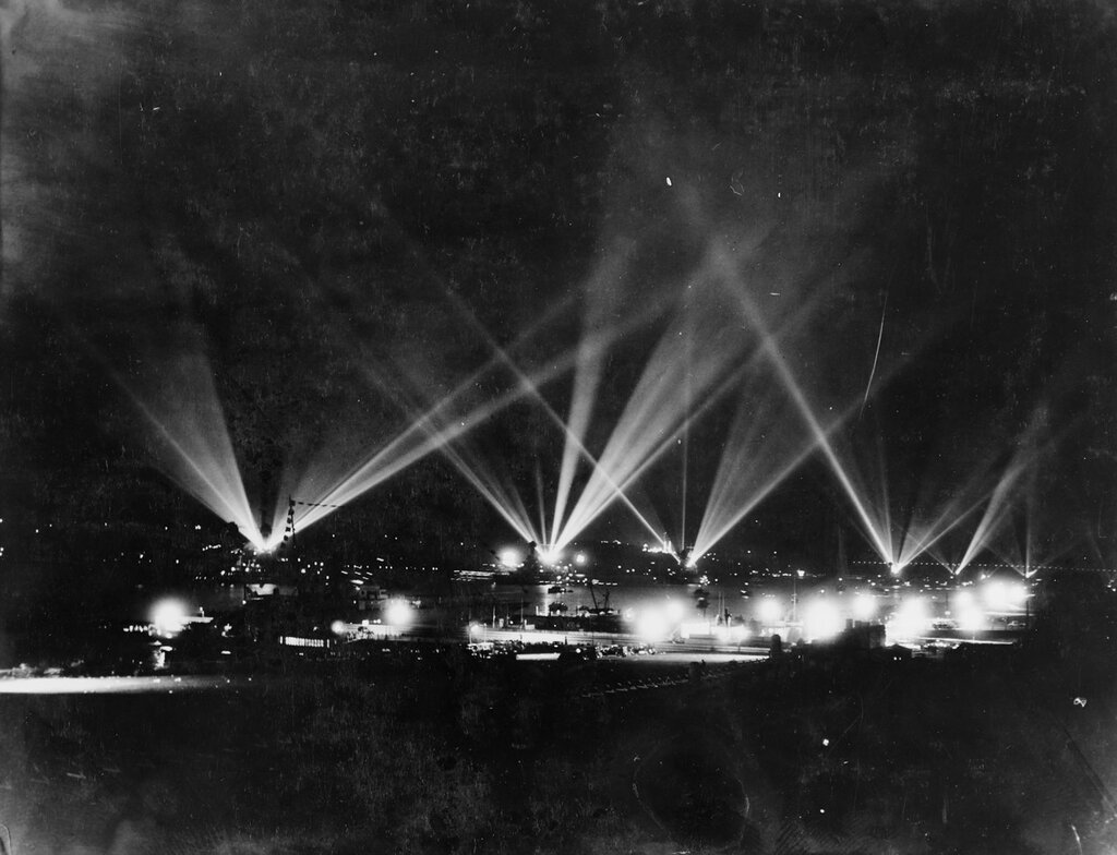 Some of the twinkling bulbs of incandescent lights during a fleet review in New York, 31 May 1934
