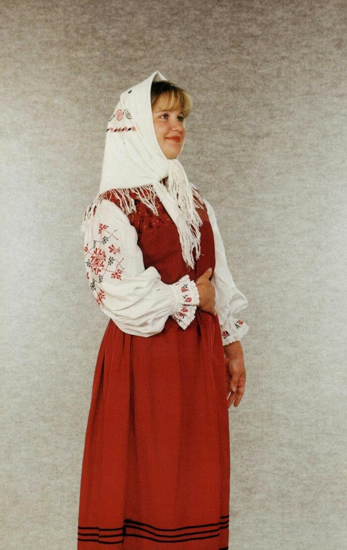 аутентичный старинный русский костюм фото