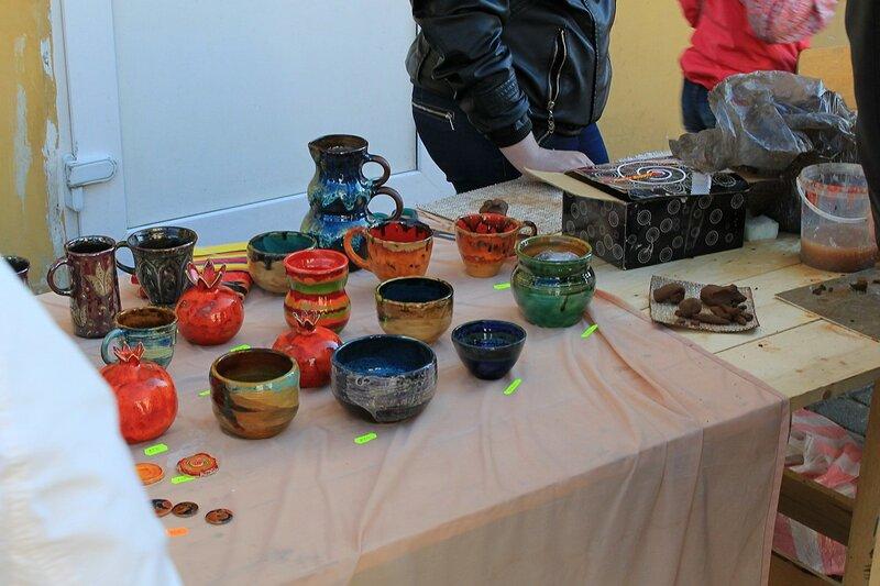 Продажа керамики - «Вятский Арбат» в день города-2015 на пешеходной улице Спасской