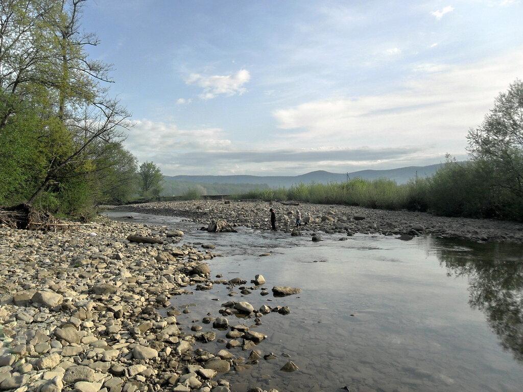 В апреле, лес в окрестностях Горячего Ключа