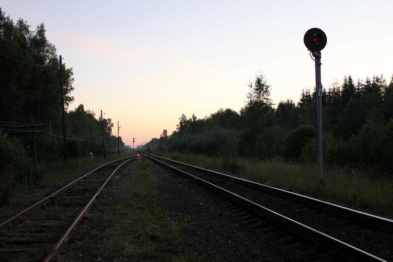 Прожекторные выходные светофоры Ч3(карлик) и Ч1 на станции Рождествено, вид на Ржев