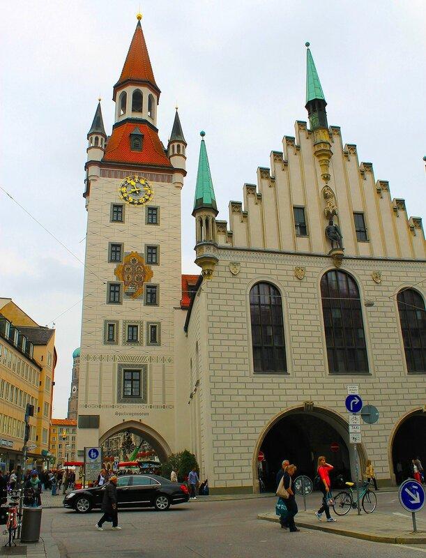 Старая Ратуша ..Мариенплац.(Мюнхен)