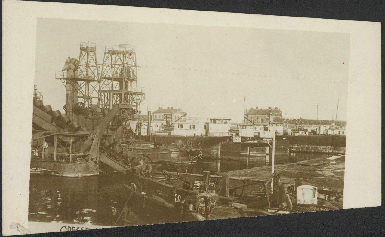 На николаевском бульваре лето 1918 года