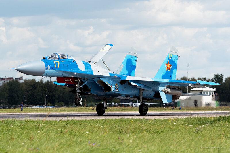 Сухой Су-27С (17 желтый) D800140