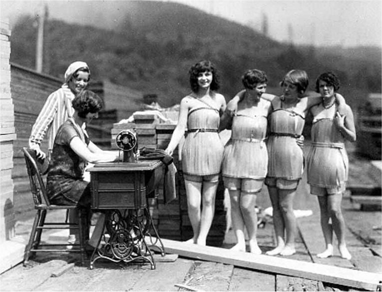 деревянные купальники