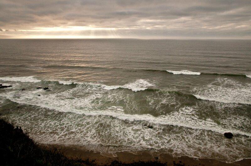 Лучи света над океаном