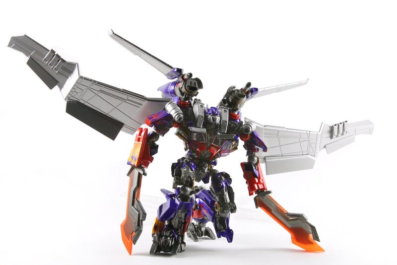 TFW Revoltech Movie Jetwing Optimus Prime Gallery ... | 800 x 534 jpeg 75kB