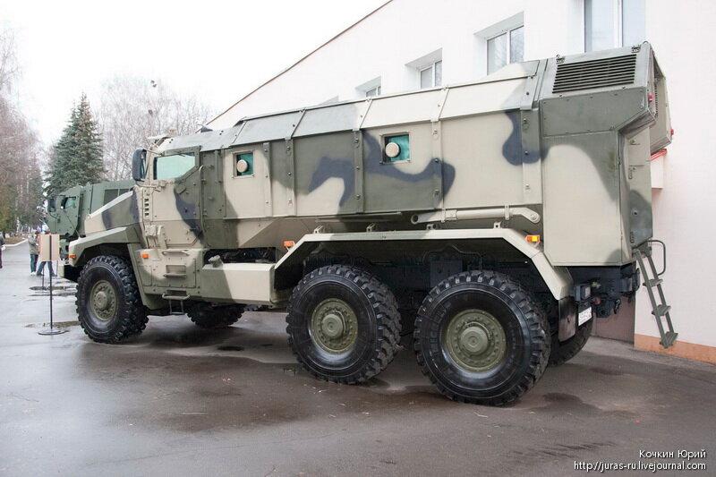 Защищенный автомобиль Урал-63099 ТАЙФУН-У. Технический облик военного автомобиля многоцелевого назначения XXI века