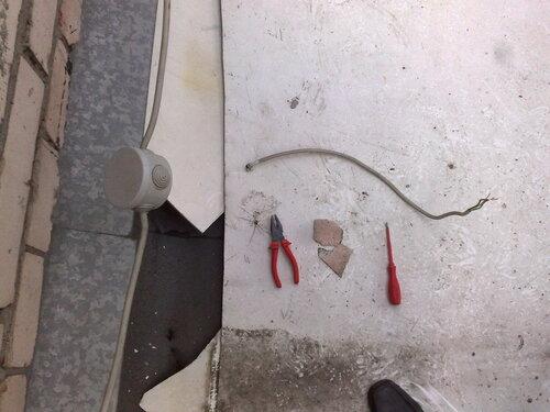 Фото 7. Распределительная коробка перебрана. Аварийный кабель удалён.