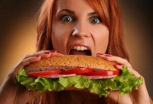Недосыпание приводит людей к чувству голода
