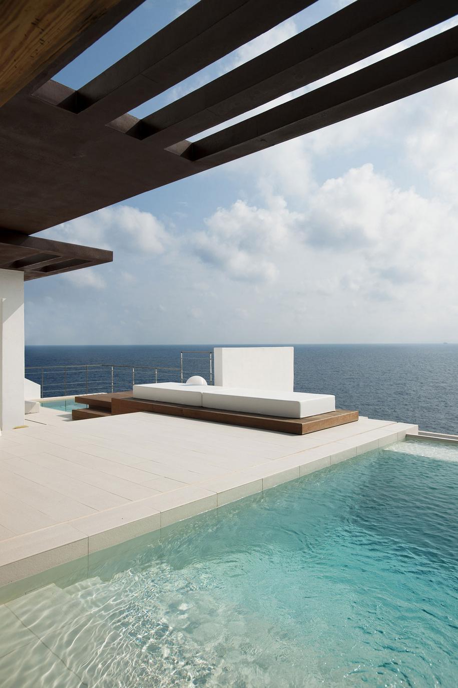 Особняк на Ибице с потрясающим видом на Средиземное море
