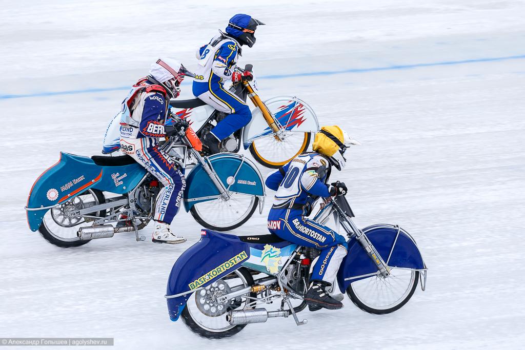Спидвей – кольцевые мотогонки на льду