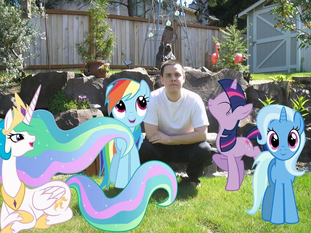 "Фанаты ""My Little Pony"" прифотошопили любимцев в свою жизнь"