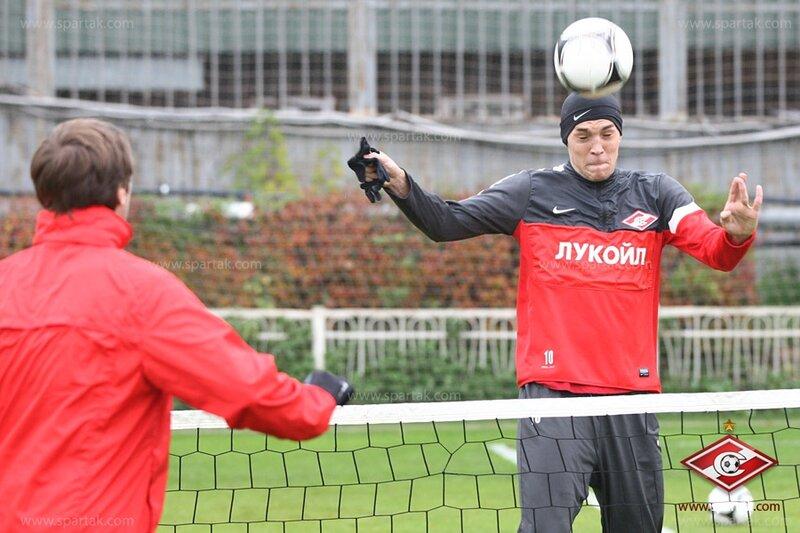 Тренировка «Спартака» перед вылетом в Махачкалу (Фото)