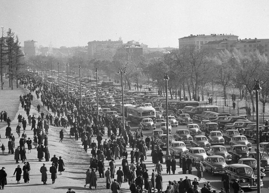 Ленинградский проспект в районе стадиона
